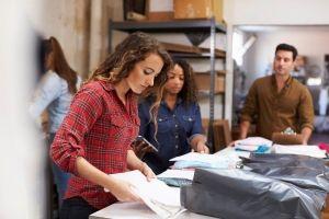 Como fazer a armazenagem de produtos para pequenas lojas?